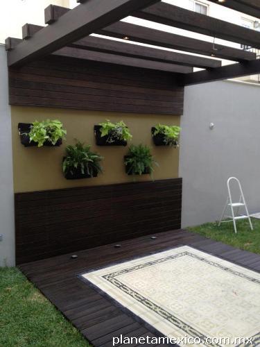 Fotos de jardines verticales paredes verdes for Jardines en paredes interiores