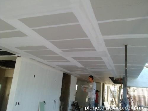 Tablaroca muros y plafones en morelia tel fono for Plafones de pared para escaleras