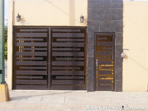 Portones de herreria minimalista related keywords for Puertas minimalistas de herreria fotos