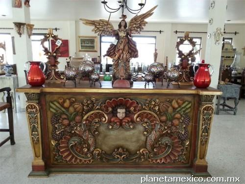Fotos de 39 casa virreyes 39 muebles coloniales escultura y for Paginas de muebles y decoracion