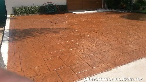 Fotos de pisos en concreto estampado en guadalajara for Bloques de cemento para pisos de jardin