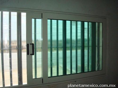 Puertas y ventanas de guasave tel fono for Puertas kiuso telefono