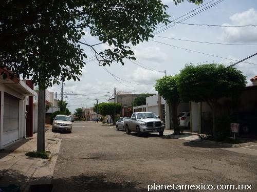 Amplia y refrigerada en culiacan tel fono for Villas tortuga celestino gasca sinaloa