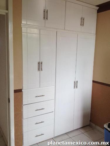 Los decora closets puertas y cocinas modernas en metepec for Closets estado de mexico