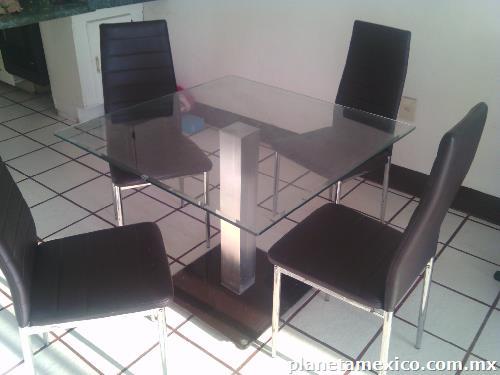 Mesa comedor cristal templado cuatro sillas color for Comedor cuatro sillas
